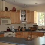 Kitchen: Eco-Friendly Retreat House